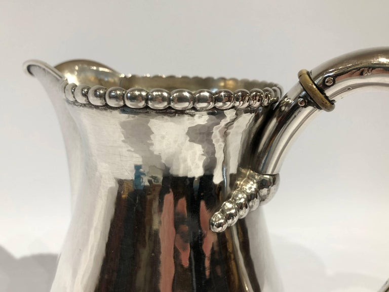 Beautiful Water Jug in Hammered Hallmarked Silver and Simple Pearl Edge In Good Condition For Sale In Lejre, DK