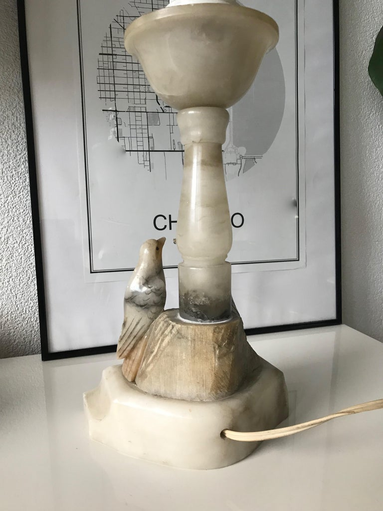 Beautifully Hand Carved Midcentury Nesting Birds Alabaster Table or Desk Lamp For Sale 3