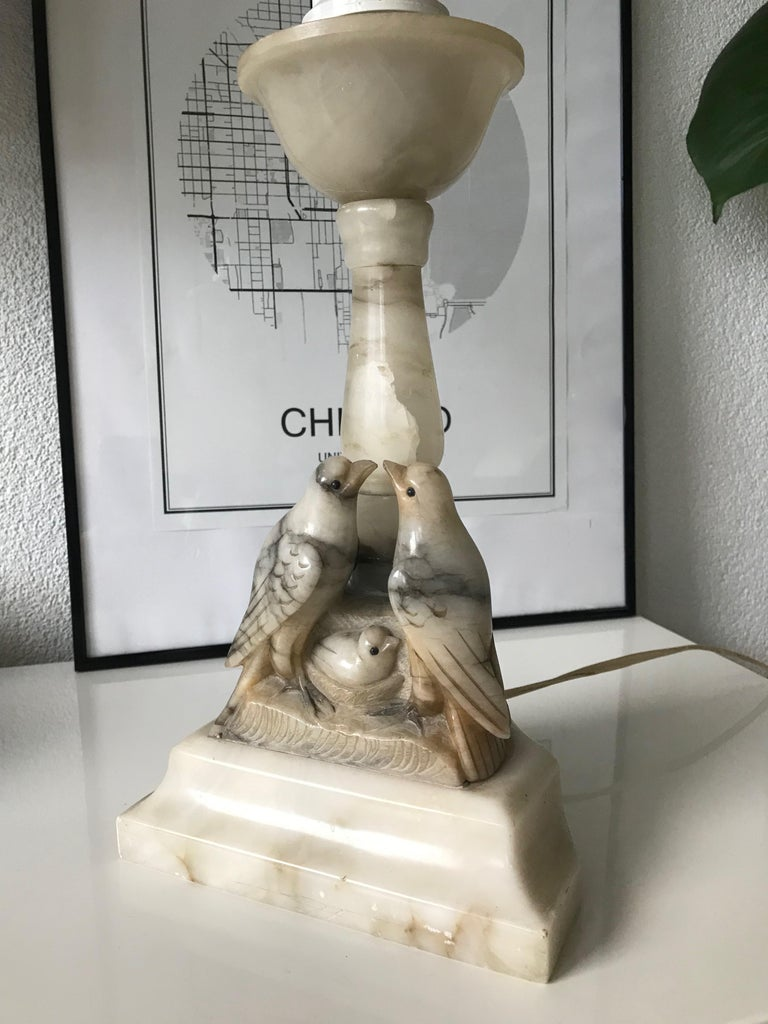 20th Century Beautifully Hand Carved Midcentury Nesting Birds Alabaster Table or Desk Lamp For Sale