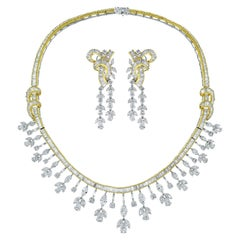 Beauvince Diamond Collar Necklace and Chandelier Earrings Suite in Gold