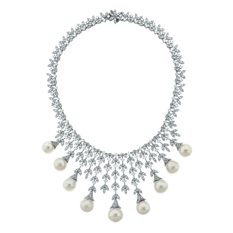 Beauvince Diamond and South Sea Pearls Necklace and Earrings Suite in White Gold In New Condition For Sale In New York, NY