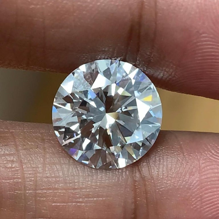 Beauvince Jewelry is excited to present this stunning solitaire and looks forward to customizing and creating a unique one of kind engagement ring for a perfectionist. Along with excellent cut, polish and symmetry, and none fluorescence, this