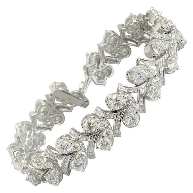 Beauvince Grapevine Round and Baguette Diamond Bracelet in White Gold For Sale