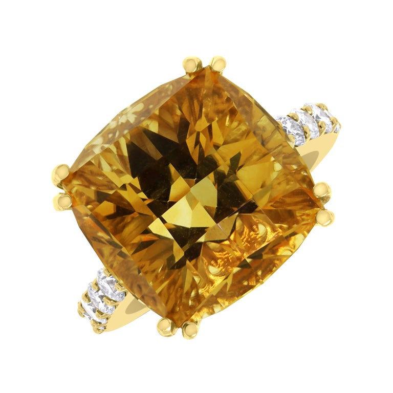 Beauvince Pot of Gold Citrine and Diamond Ring in Yellow Gold For Sale