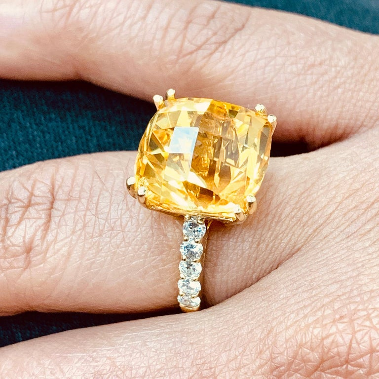 Contemporary Beauvince Pot of Gold Citrine and Diamond Ring in Yellow Gold For Sale