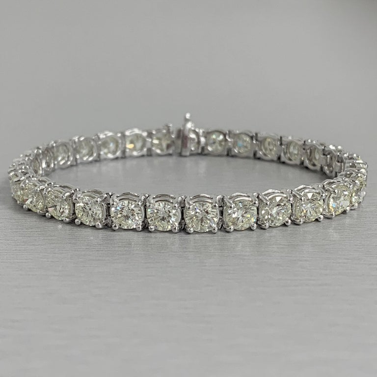 Contemporary Beauvince Solitaire Diamond 15.36 Carat Tennis Bracelet in White Gold For Sale