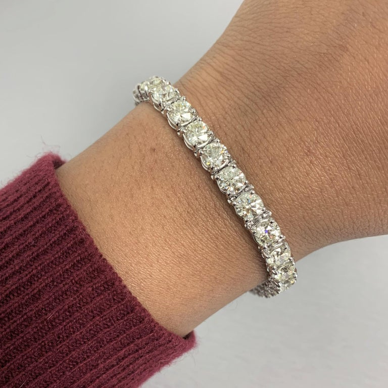 Beauvince Solitaire Diamond 15.36 Carat Tennis Bracelet in White Gold In New Condition For Sale In New York, NY