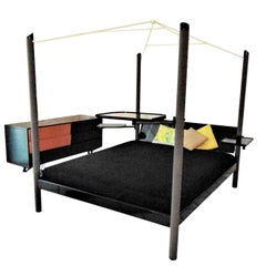 Bedroom Set Canopy Bed and Commode Dark Green Lacquer Sormani, Italy, 1989