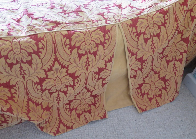 Bedspread or Throw Double Bed Size Box Pleats Baroque Pattern, Vintage For Sale 4