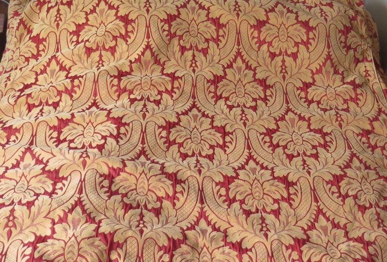 Bedspread or Throw Double Bed Size Box Pleats Baroque Pattern, Vintage For Sale 5