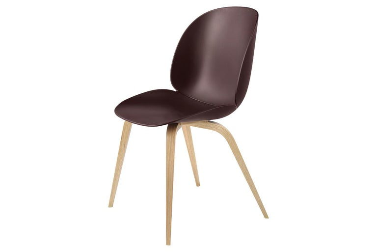 With the introduction of the un-upholstered Beetle chair, the collection has bloomed into a chair series with unlimited possibilities. The Beetle chair is no longer only an upholstered chair but also available with a polypropylene plastic shell,