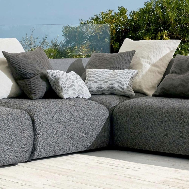 Modern Begin Grey Outdoor Sofa by Angeletti Ruzza Made in Italy In stock in Los Angeles For Sale