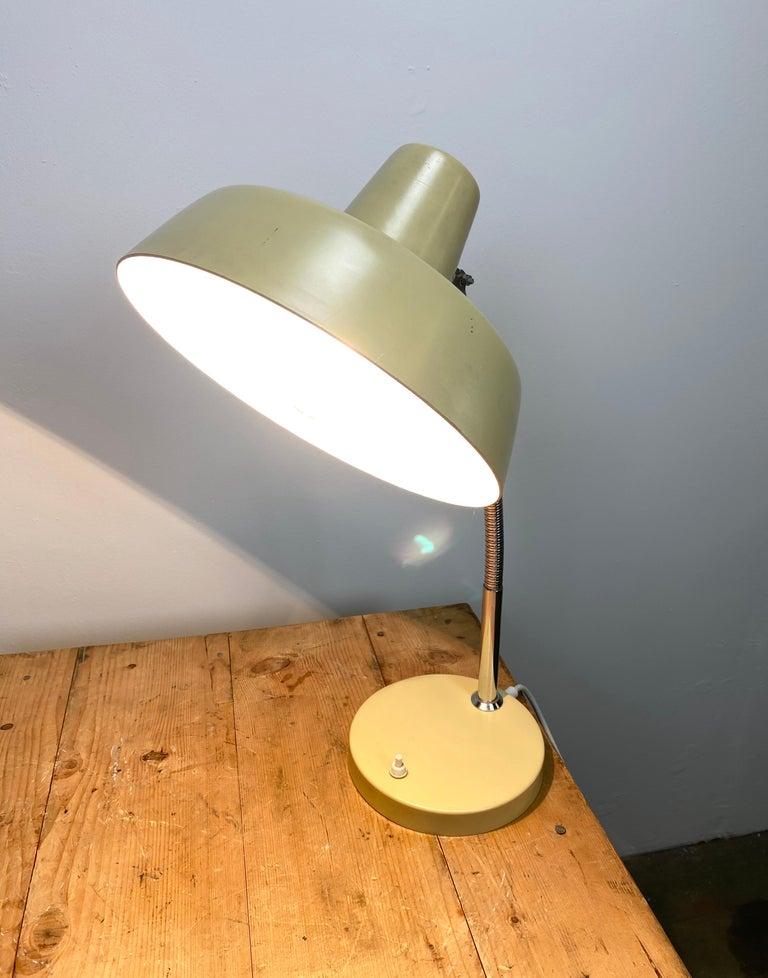 Beige Gooseneck Table Lamp, 1960s For Sale 1