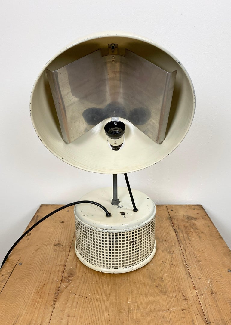 Painted Beige Industrial Table Lamp, 1950s For Sale