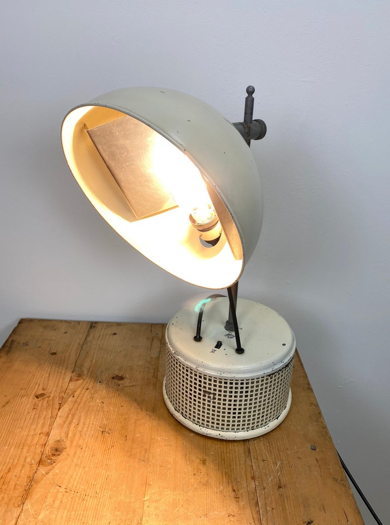Beige Industrial Table Lamp, 1950s For Sale 1