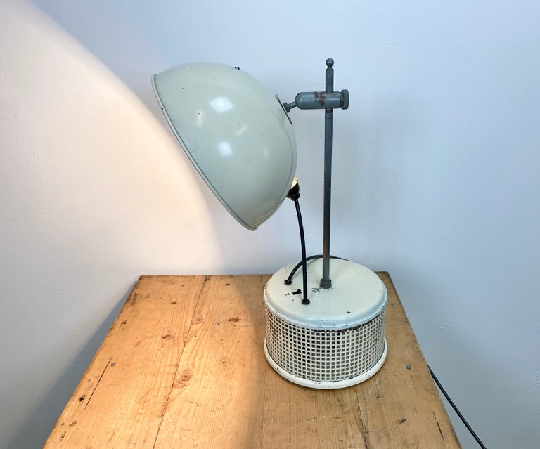 Beige Industrial Table Lamp, 1950s For Sale 2