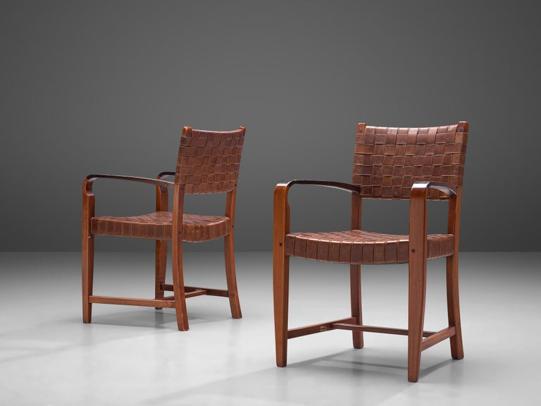 Belgian Set of Two Armchairs Chairs in Leather and Oak For Sale 1