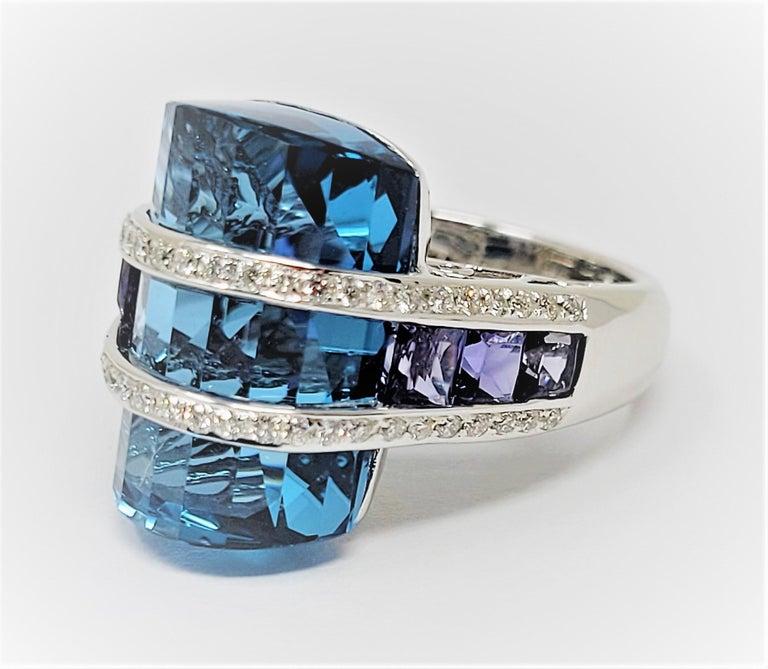 Bellari Blue Topaz Iolite Diamond Ring in 18 Karat White Gold In Good Condition For Sale In Dallas, TX