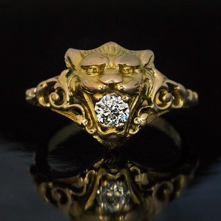 Belle Époque Antique Diamond Gold Lion Ring In Excellent Condition For Sale In Chicago, IL