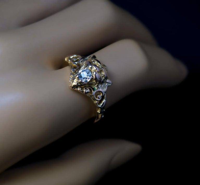Belle Époque Antique Diamond Gold Lion Ring For Sale 2