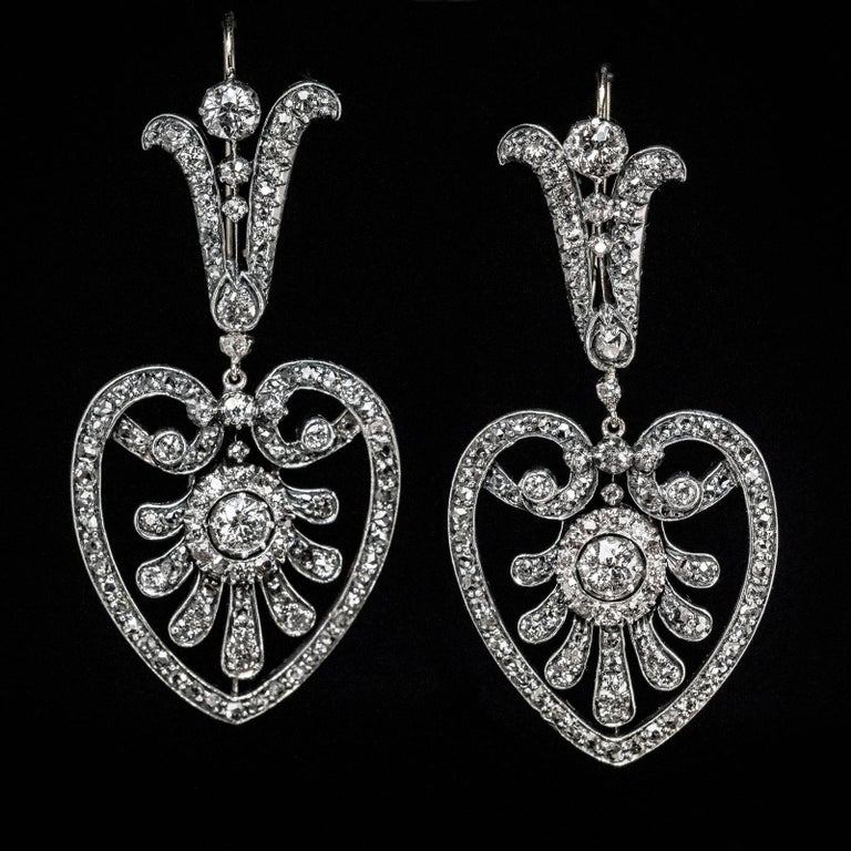 Belle Epoque Antique Heart Motif Diamond Dangle Earrings In Excellent Condition For Sale In Chicago, IL