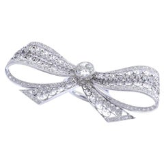 Belle Époque Diamond Platinum Bow Ring