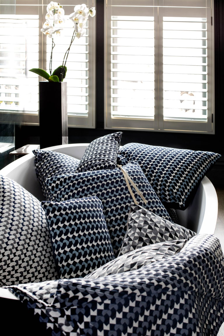Belo Pattern Cushion Curvature Collection Inspired by Brazilian Architecture In New Condition For Sale In London, GB