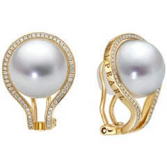Kobe Clip Diamond Earrings Set in 18 Karat Yellow Gold