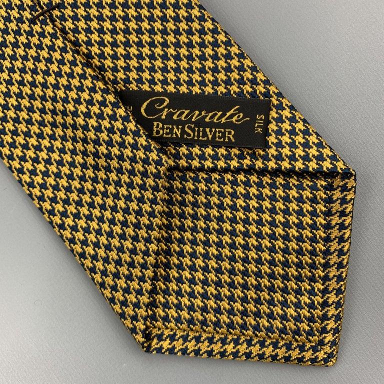 Men's BEN SILVER Yellow Gold & Navy Houndstooth Silk Tie For Sale