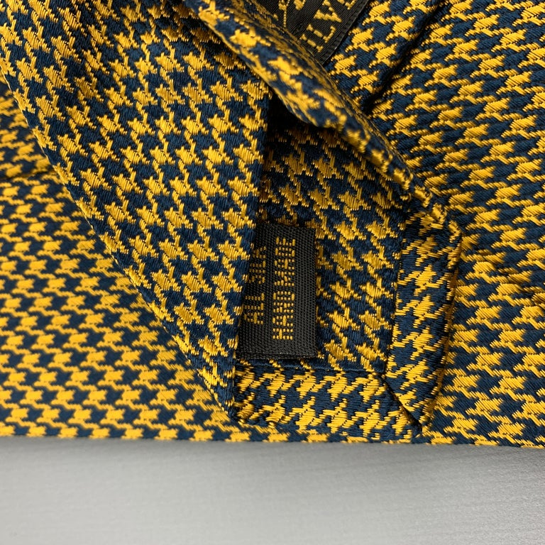 BEN SILVER Yellow Gold & Navy Houndstooth Silk Tie For Sale 1