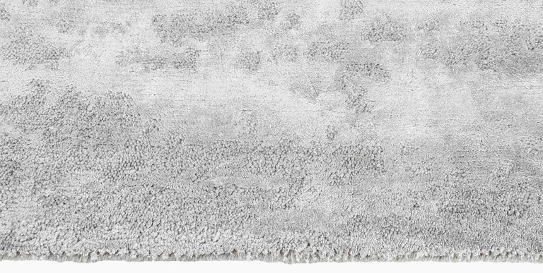 Modern Ben Soleimani Laria Rug - Fog 6'x9' For Sale