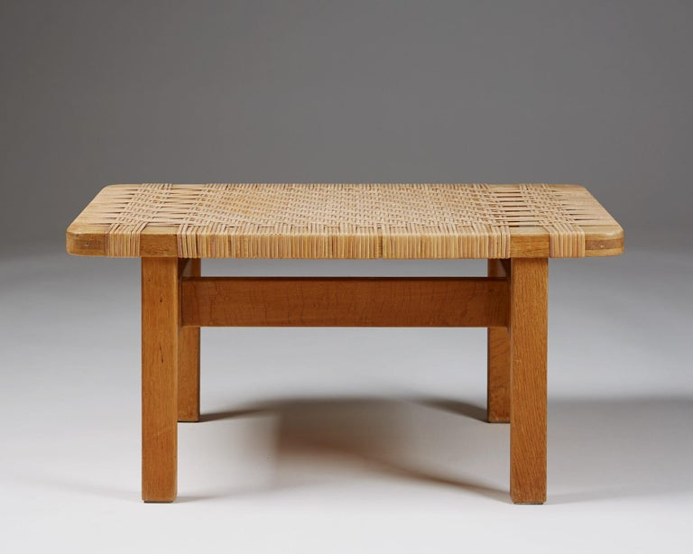 Occasional table or bench model 5273 designed by Börge Mogensen for Fredericia Stolefabrik,  Denmark, 1950s.  Oak and cane.