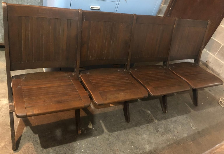 Bench of Oak, 4-Seat, Folding, circa 1920s for Restaurant, Hotel Lobby, Hallway For Sale 7