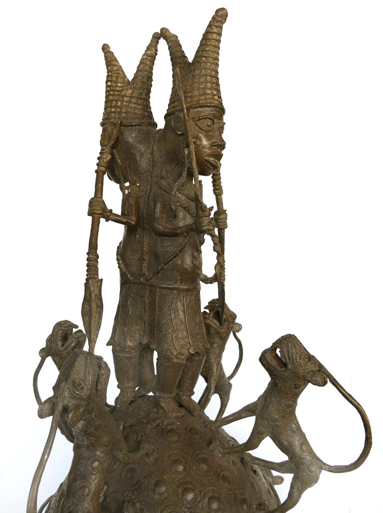 Benin 'Nigeria' Bronze Figural Offering Depicting Leopards and Tribesmen In Good Condition For Sale In Miami, FL