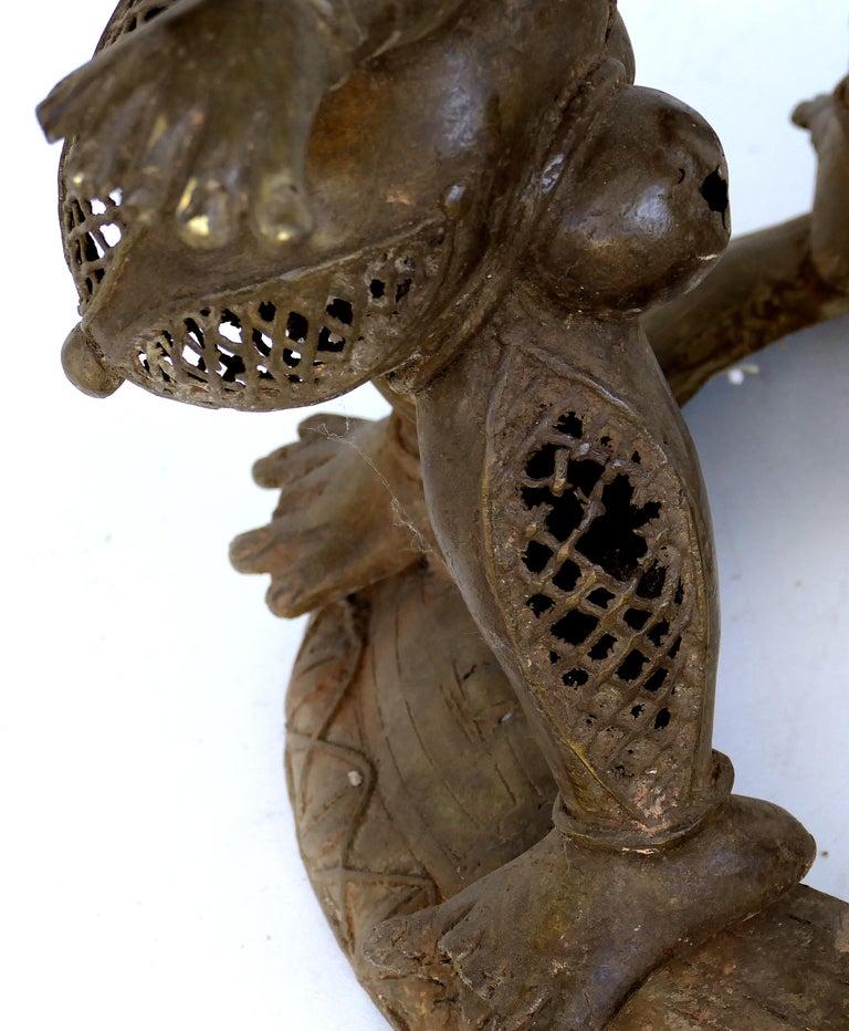 Benin 'Nigeria' Bronze Figural Offering Depicting Leopards and Tribesmen For Sale 2