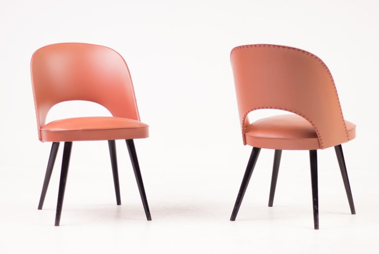 Beautiful beech Viennese chairs designed by Oswald Haerdtl for Thonet. 