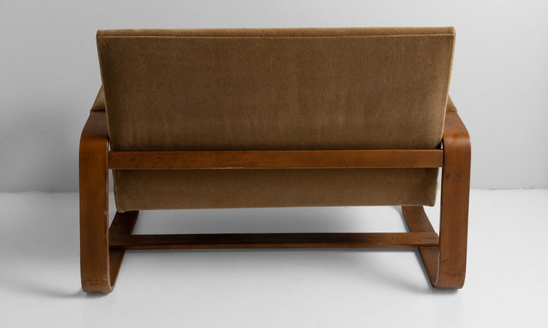 Bentwood Settee by Giuseppe Pagano In Good Condition In Culver City, CA