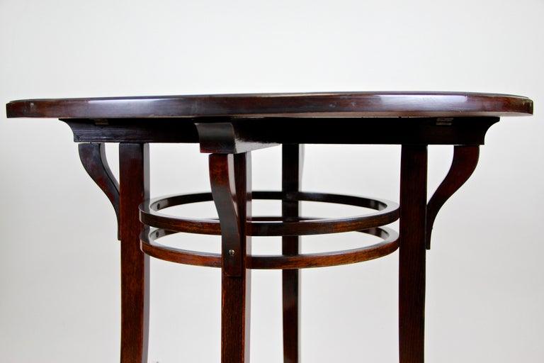 Bentwood Side Table by Thonet Vienna Art Nouveau, Austria, circa 1905 For Sale 4