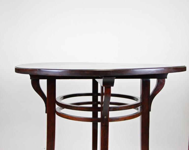 Bentwood Side Table by Thonet Vienna Art Nouveau, Austria, circa 1905 For Sale 6