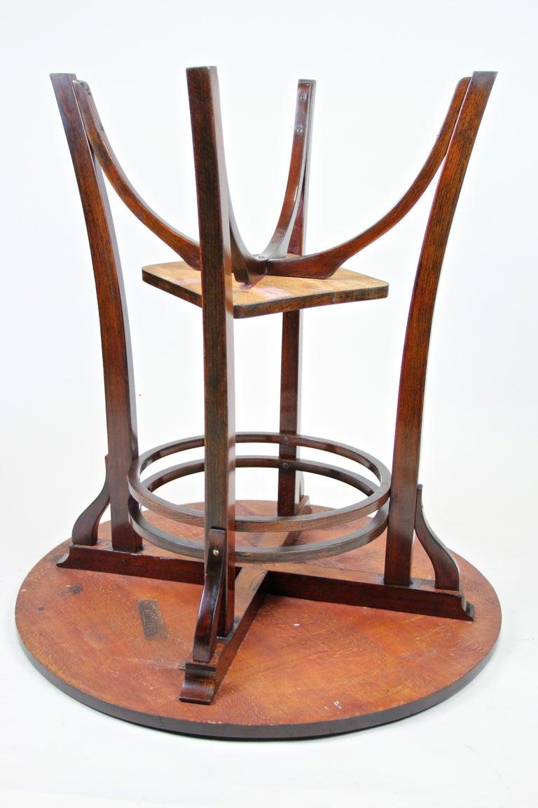 Bentwood Side Table by Thonet Vienna Art Nouveau, Austria, circa 1905 For Sale 7