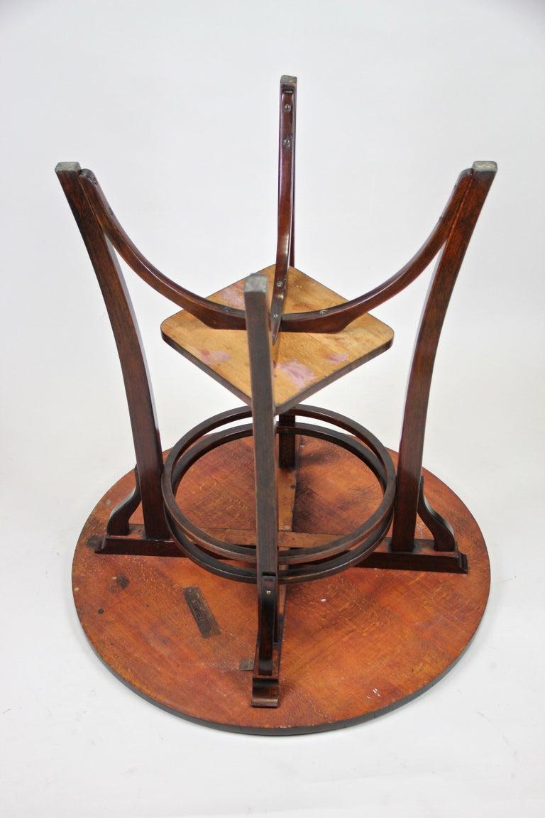 Bentwood Side Table by Thonet Vienna Art Nouveau, Austria, circa 1905 For Sale 8