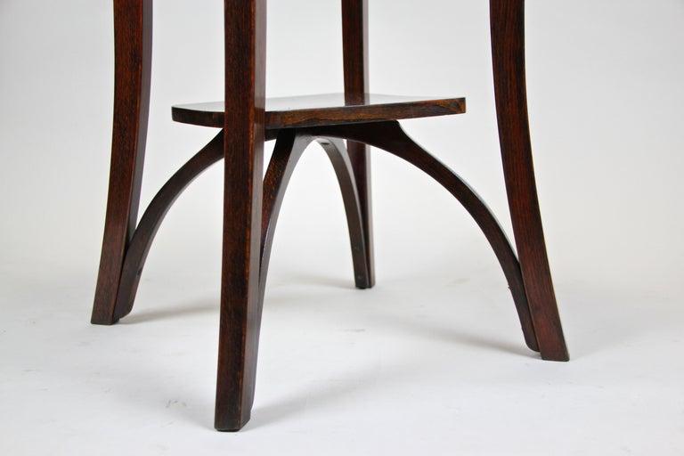 Bentwood Side Table by Thonet Vienna Art Nouveau, Austria, circa 1905 For Sale 2