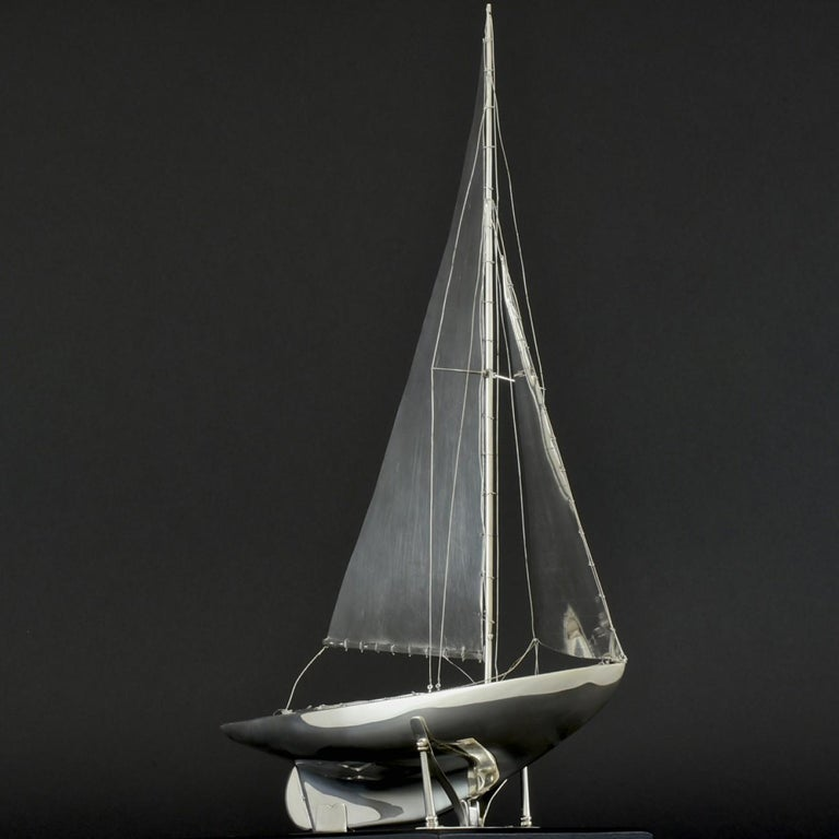 Benzie's Sterling Silver Model Yacht, Hallmarked, 1935 In Good Condition For Sale In London, GB