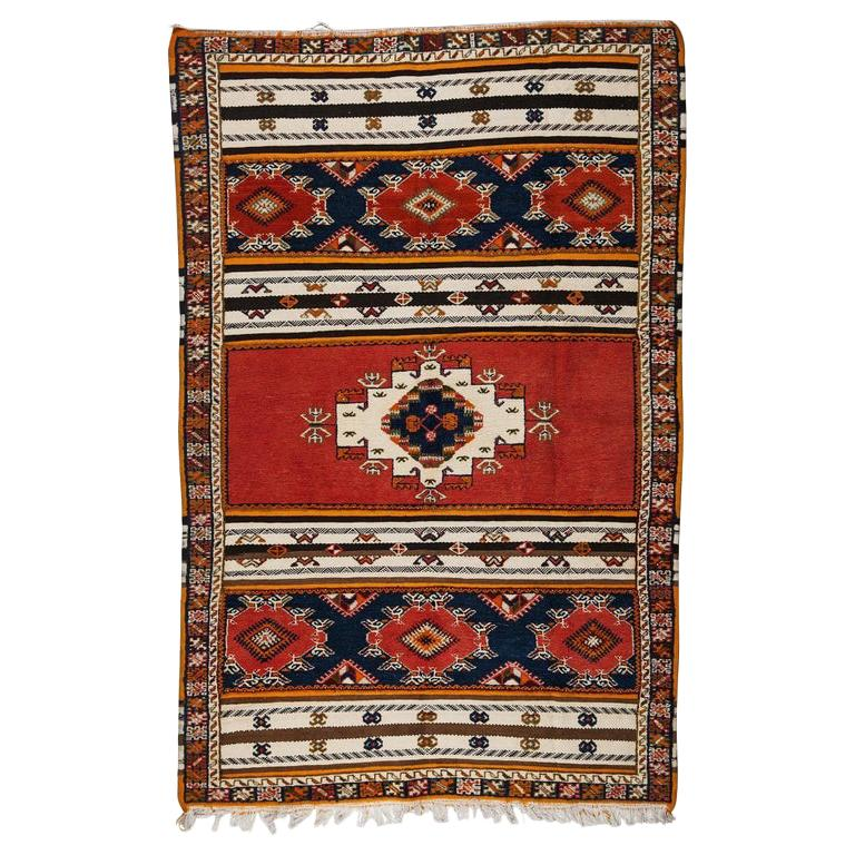 Berber Rug / Carpet, Handwoven Wool with Regal Pattern, Moroccan For Sale