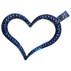 Berca 4.20 Karat Natural Blue Sapphire 18 Karat Black White Gold Heart Pendant