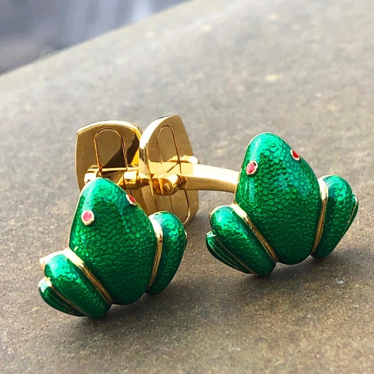 Berca Green Hand Enameled Frog Shaped Sterling Silver Gold-Plated Cufflinks For Sale 6