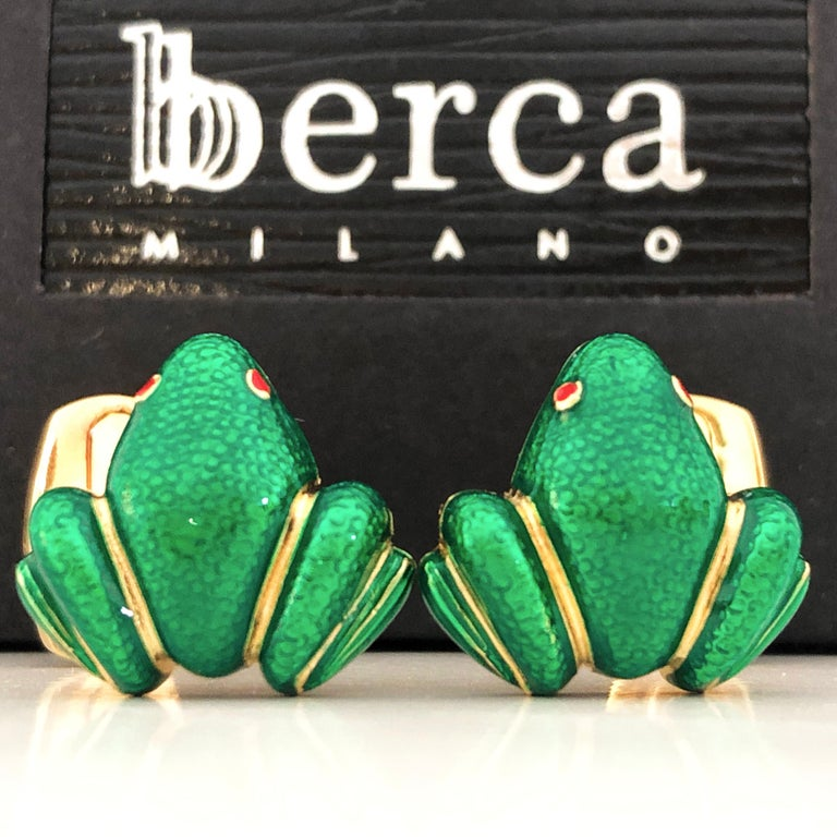 Unique and Chic Emerald Green Hand Enamelled Little Frog Shaped T-Bar Back, Sterling Silver Yellow Gold Plated Cufflinks. In our smart black box and Pouch. Express Shipping is still available to all destinations.