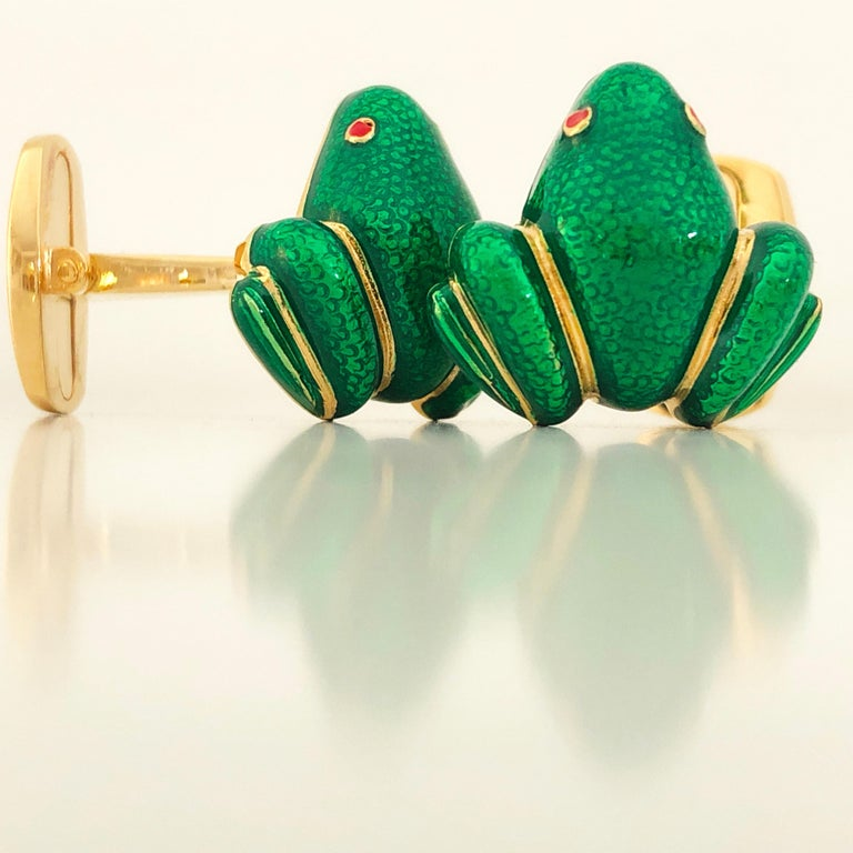 Berca Green Hand Enameled Frog Shaped Sterling Silver Gold-Plated Cufflinks For Sale 1