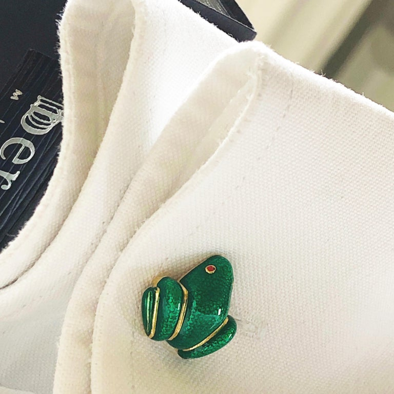 Berca Green Hand Enameled Frog Shaped Sterling Silver Gold-Plated Cufflinks For Sale 4