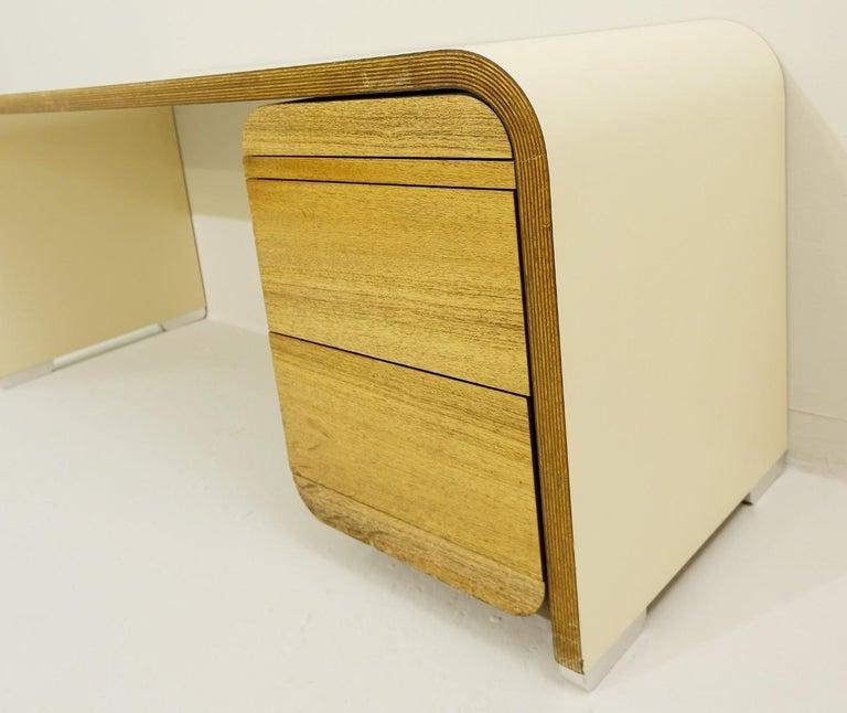 Mid-Century Modern Bergwood White Desk For Sale